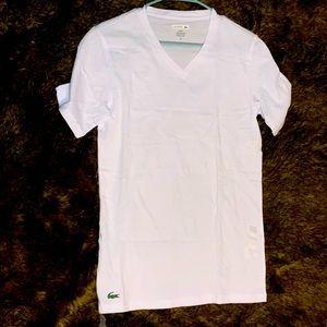 Brand new! Lacoste med V-neck T shirt